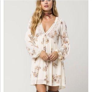 Taylor & Sage Floral Lace Dress C0111